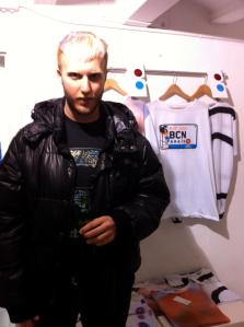 Roberto Pikeras, uno de los Designers junto su colección en KRStore